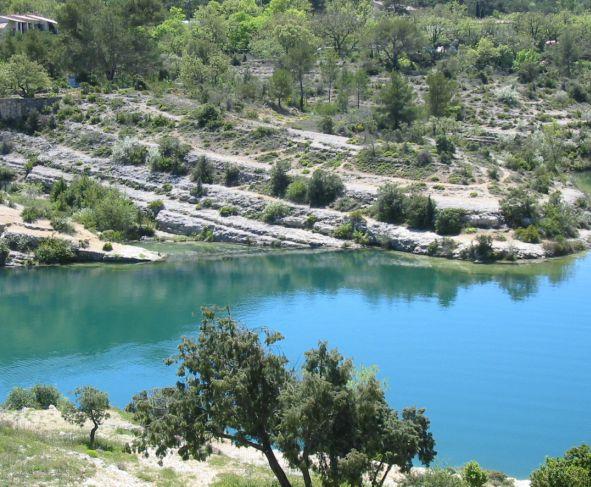 Randonn e dans le verdon la verdi re for Camping au bord du lac de sainte croix avec piscine